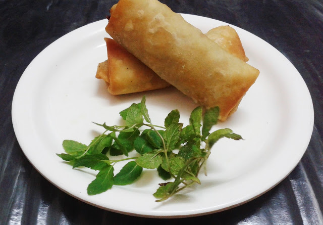 http://www.paakvidhi.com/2013/11/spring-rolls.html