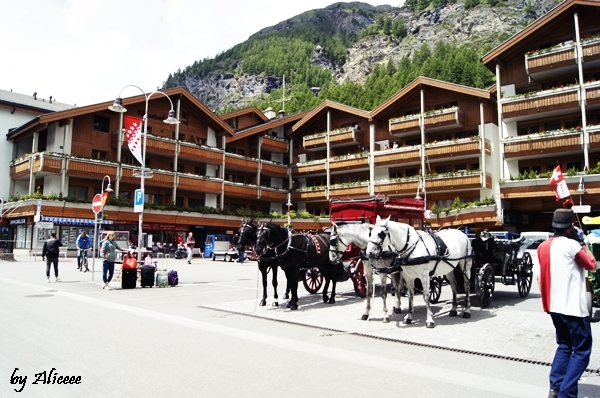 gara-Zermatt-Elvetia
