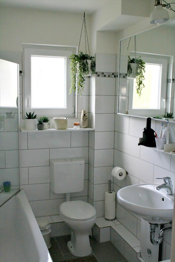 kleine badezimmer makeover m belideen. Black Bedroom Furniture Sets. Home Design Ideas