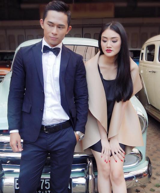 foto prewedding di hauwke's auto gallery jakarta