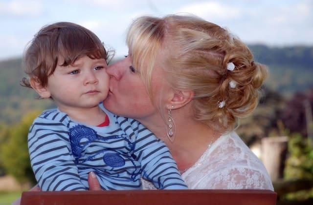 Ajarkan anak kejujuran sejak dini ketika usia mereka menginjak 3 tahun ke atas