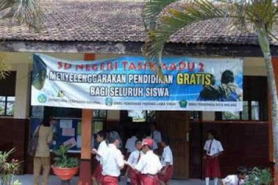 Mendikbud: Tidak Ada Rencana Cabut Sekolah Gratis