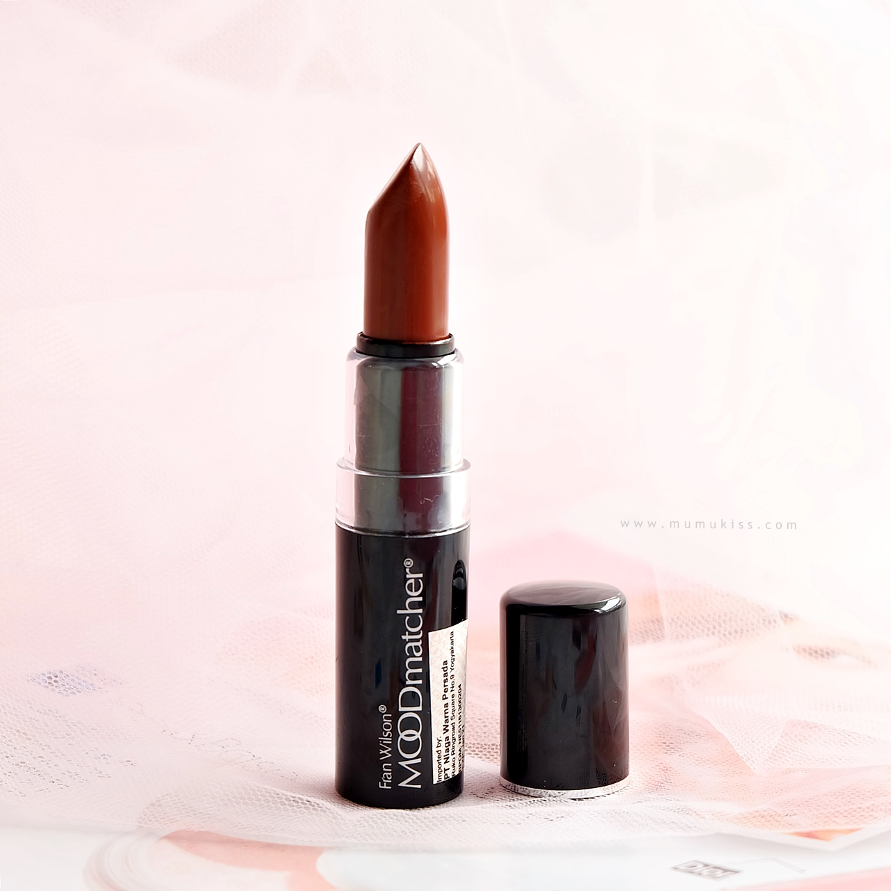 Review Moodmatcher Lipsticks In Dark Blue And Brown Sponsored Orange Turns Into Beautiful Brick Red But It Takes 2 3 Hours Before The Color Completely Changes Payoff Is Very Strong Beautifully Pigmented
