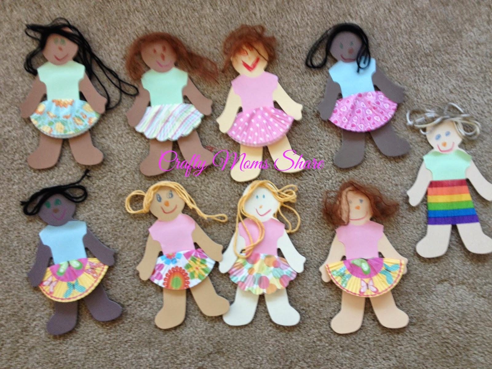Crafty Moms Share Easy Paper Doll Clothes And Creations