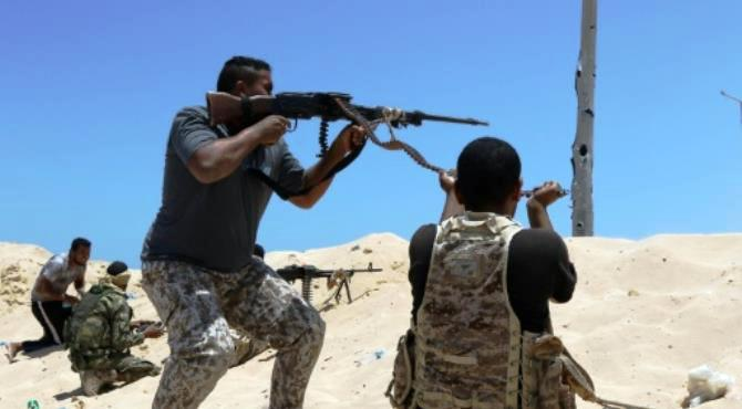 Libyan pro-regime forces launched an offensive to retake Sirte in May 2016. By Mahmud Turkia (AFP)  Sirte (Libya) (AFP) - Libyan pro-government forces battled to seize more territory from Islamic State group jihadists in their stronghold Sirte on Wednesday but their offensive was hindered by mines and snipers.