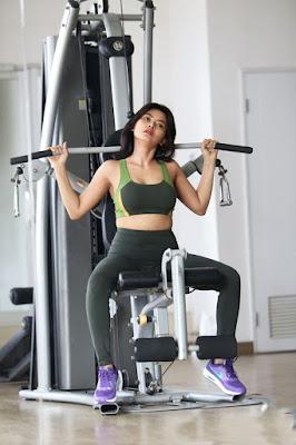 artis lelaki main gym artis perempuan main gym artis indonesia ngegym artis yang nge gym foto artis nge gym