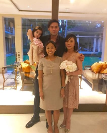 Vicki Belo Gives The Public A Sneak Pee Of Her Michael Cinco Wedding Gown!