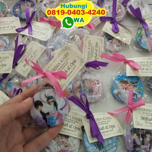 harga souvenir pernikahan gantungan kunci eceran 50605