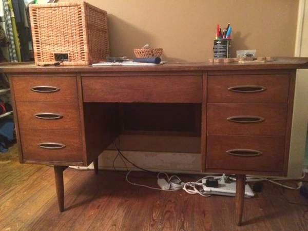 It S Not Often That I See An Unnamed Broyhill Sculptra Desk On Craigslist These Days But This One Is Simply Labeled Mid Century Modern