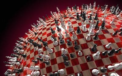 Νίκος Γραμματικός, σκάκι, ταινία, ρατσισμός, πιόνια, σκακιέρα, βασίλισσα, αξιωματικός, ίππος, πύργος