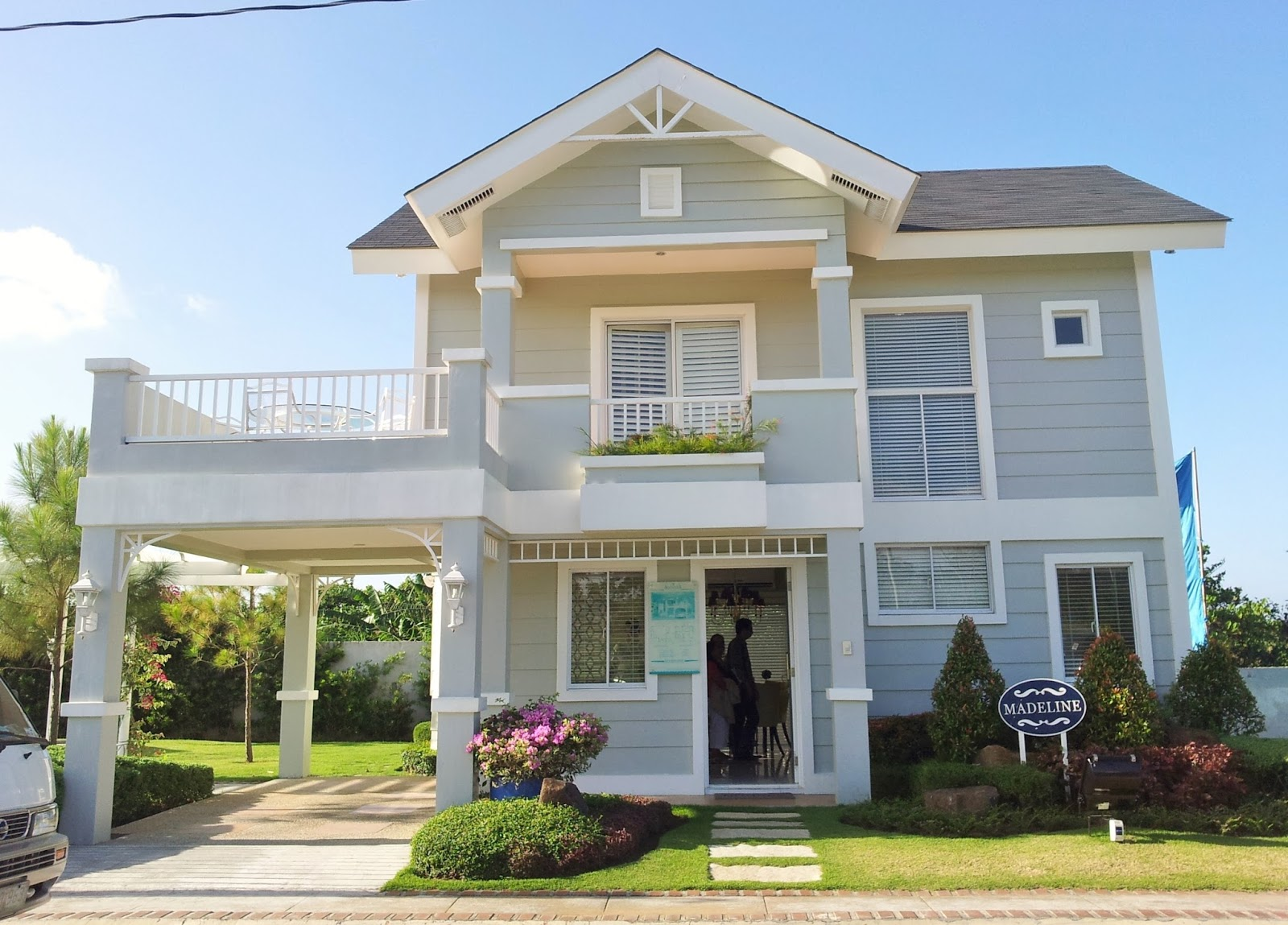 Georgia club marcia luxury house for sale sta rosa laguna for Laguna house for sale