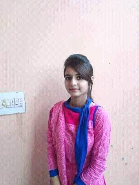 Desi Girl Naila