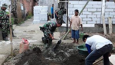 Kekompakan TNI dan Warga, Percepat Rehab RTLH