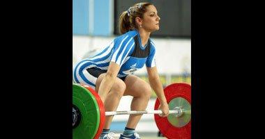 رفع الأثقال يزيد كتلة العضلات ويقلل من الدهون بالجسم عند النساء