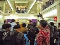 Tim Kreatif Batik Kota Bekasi Mendapat penghargaan dari Walikota Bekasi
