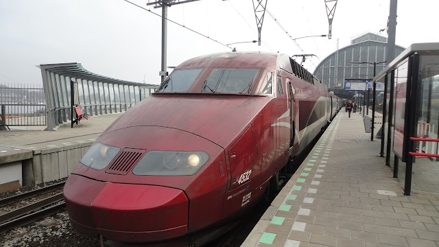 travel from paris to amsterdam