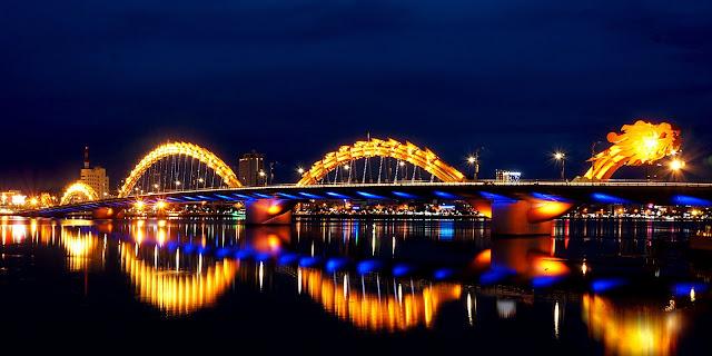 Cầu rồng Đà Nẵng thu hút hàng nghìn khách du lịch 2018