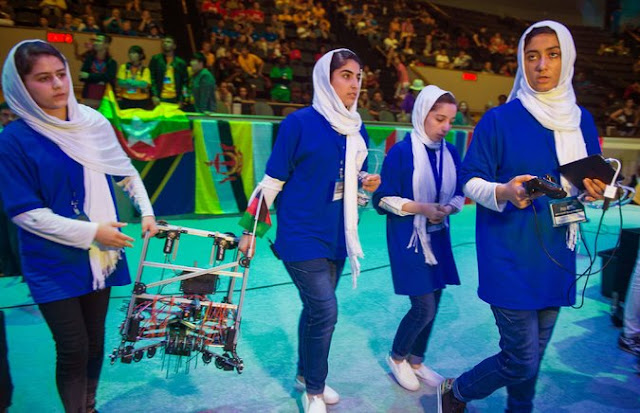 Afghan girls at Engineering competition