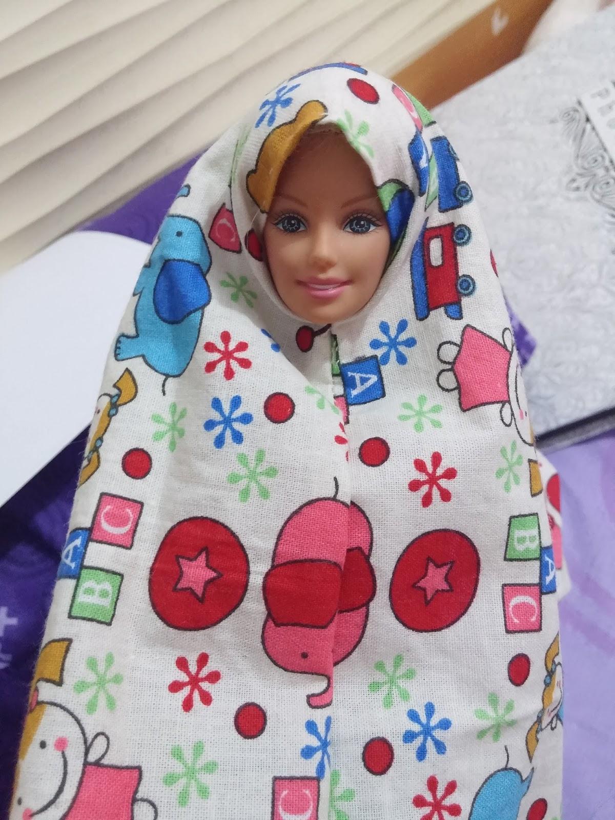 Membuat Pola Baju Barbie Ruang Belajar Siswa Kelas 2