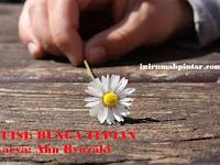 Puisi Romantis Perpisahan Terindah - Bunga Tepian