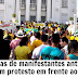 Manifestantes anti-Dilma começam protesto em frente ao Palácio Rio Branco