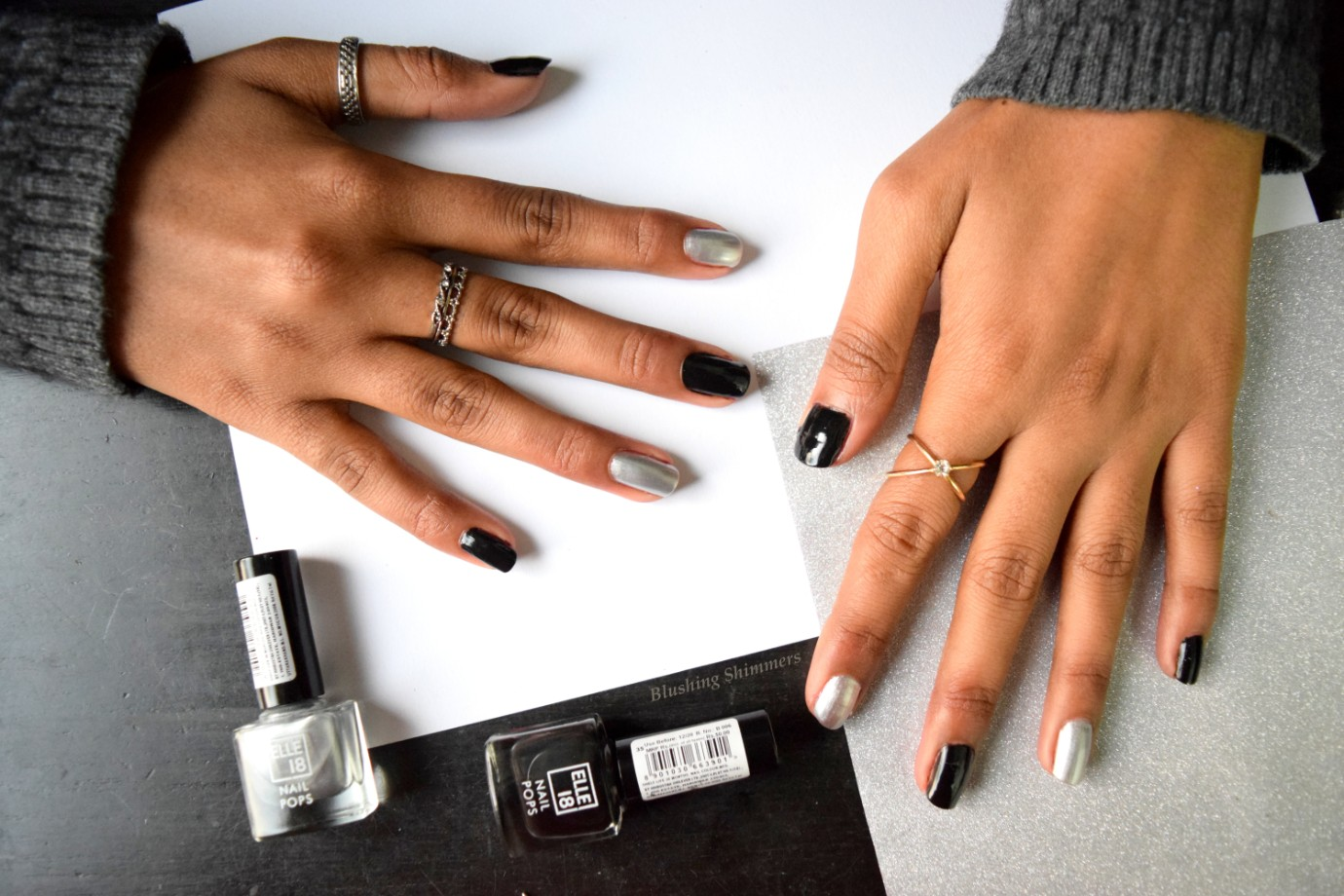 New Elle 18 Nail Pops Black , Silver