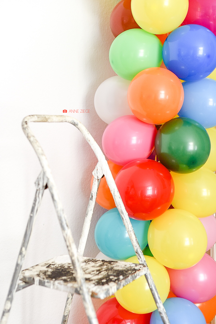 ch vre culinaire diy eine ballongirlande ganz einfach selber machen. Black Bedroom Furniture Sets. Home Design Ideas