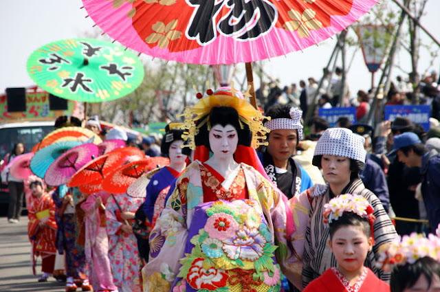 Bunsui Oiran Dochu (ladies parade), Tsubame City, Niigata