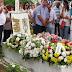 Sob aplausos e homenagens, corpo de Almira Silva é sepultado