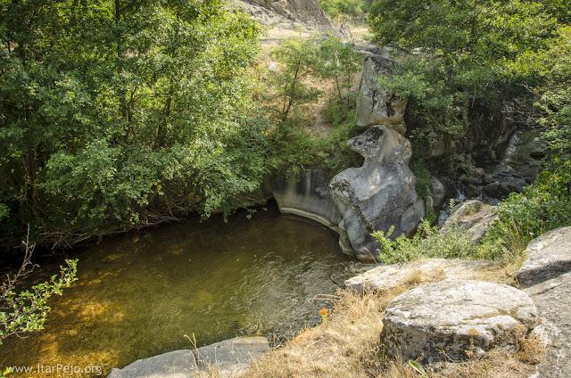 Gradeshka River in village Gradeshnica