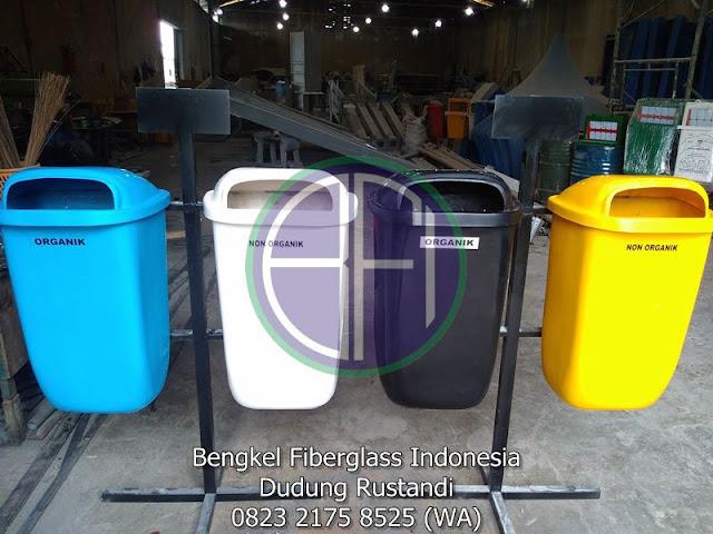 tempat sampah fiber 2 pilah