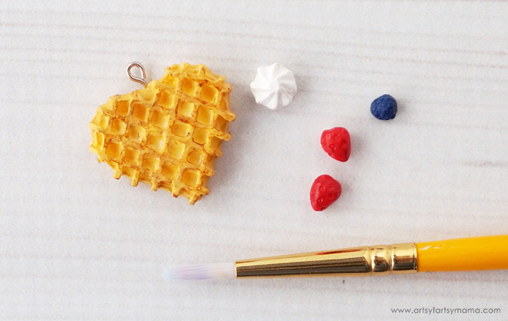 DIY Waffle Necklace