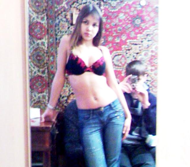 Подборка эротических фото на www.eroticaxxx.ru - Катя из Новосибирска в нижнем белье, частная эротика (18+)