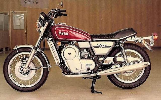 Yamaha RZ201