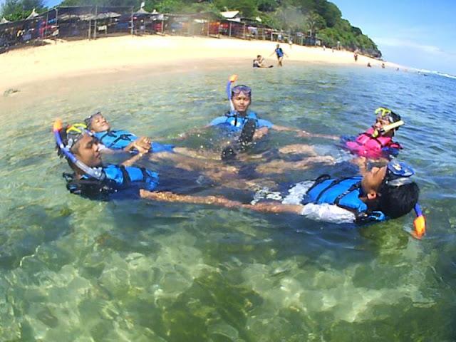 Tempat Snokling Pantai Nglambor