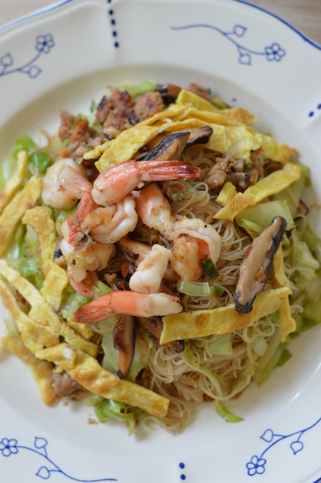 Singapore) Fried Rice Vermicelli / Fried Bee Hoon (星洲)炒米粉 ...