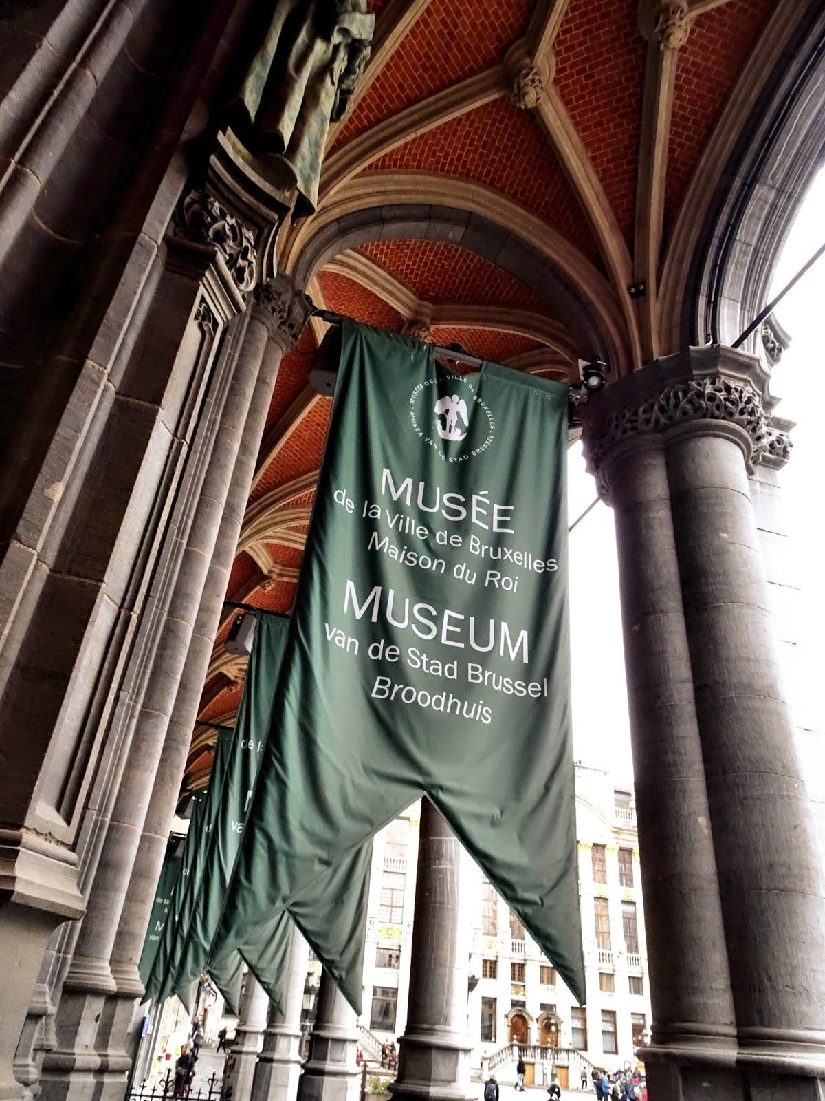 La Maison Du Dressing the estetic of senses!: le musée de la ville de bruxelles