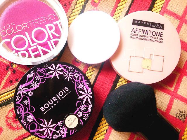 Poudre Compacte Unifiante Bourjois, Poudre compacte Affinitone  Gemey Maybelline , poudre pressée Final Touch de chez Color Trend Avon