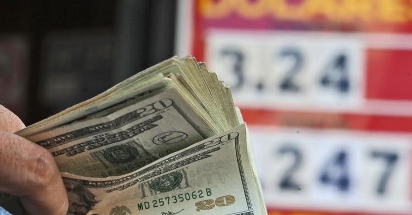 Dólar cayó 3.66% entre enero y noviembre por superávit comercial