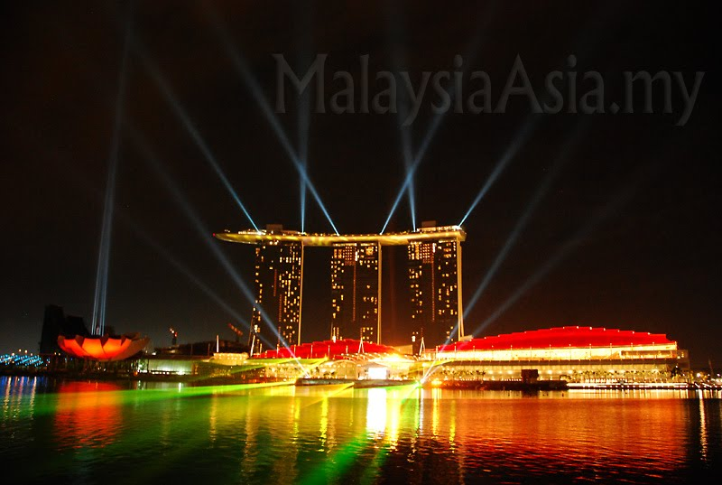 marina bay sands lightshow singapore facts pod