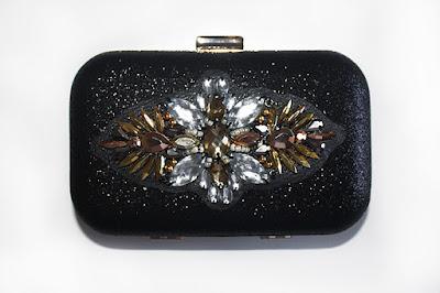 Bolso joya negro con pedreria en tonos metalizados y dorados