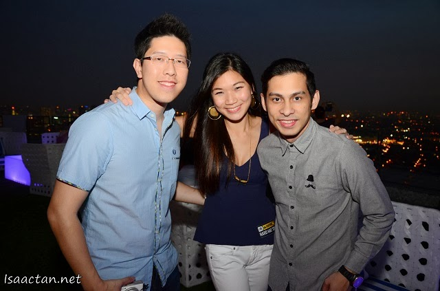 Friends and bloggers on the rooftop Stratosphere