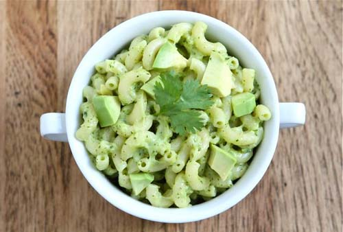 #4. Avocado Mac & Cheese.  CLICK for More Macaroni and Cheese Ideas (via http://www.twopeasandtheirpod.com/stovetop-avocado-mac-and-cheese/)
