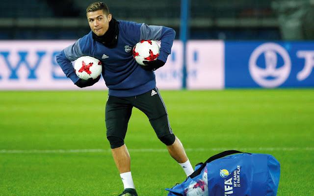 رونالدو منتشٍ أخيراً بالحصول على لقب أفضل لاعب في العالم