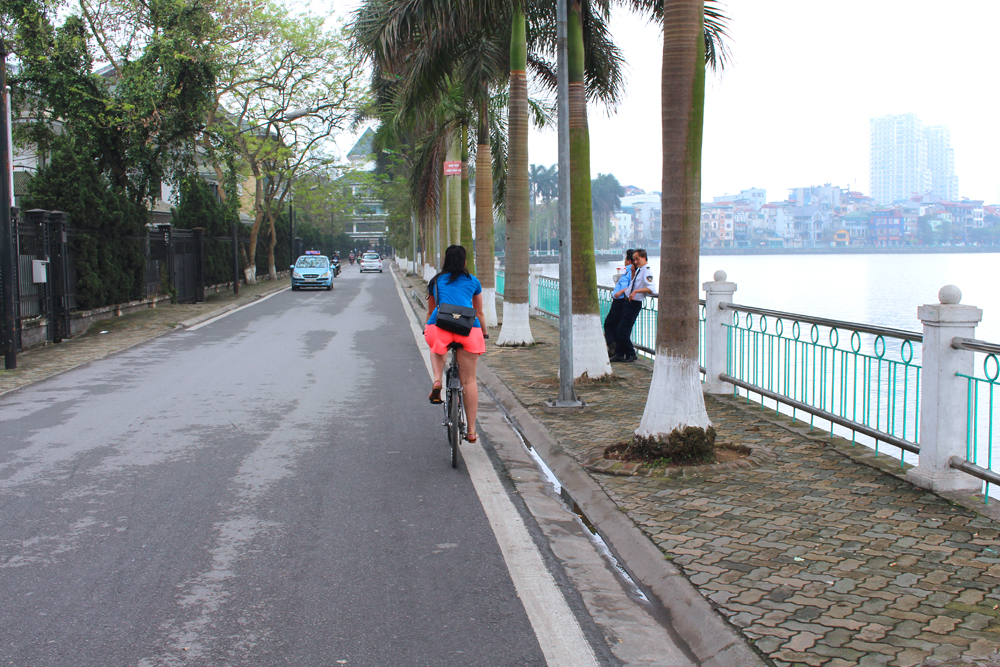 Cycling around Hanoi Westlake, Vietnam - lifestyle & travel blog
