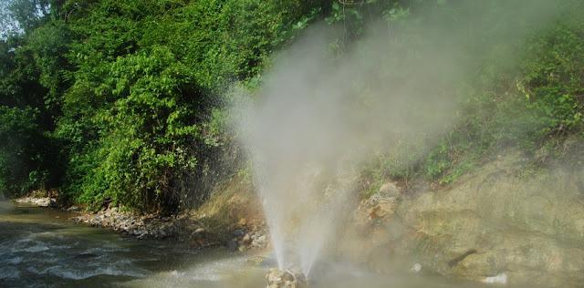 Berendam Sehat di Pemandian Air Panas Cisolok Sukabumi