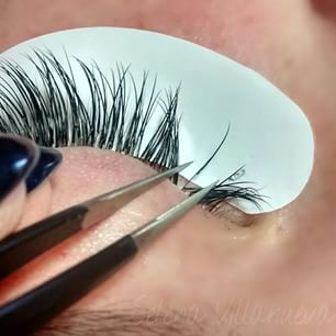 the definitive guide to lash extensions including the