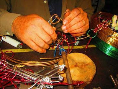 juegos de ingenio, espiral, corazon, rompecabezas, alambre, puzzles, solucion, paso a paso, videos