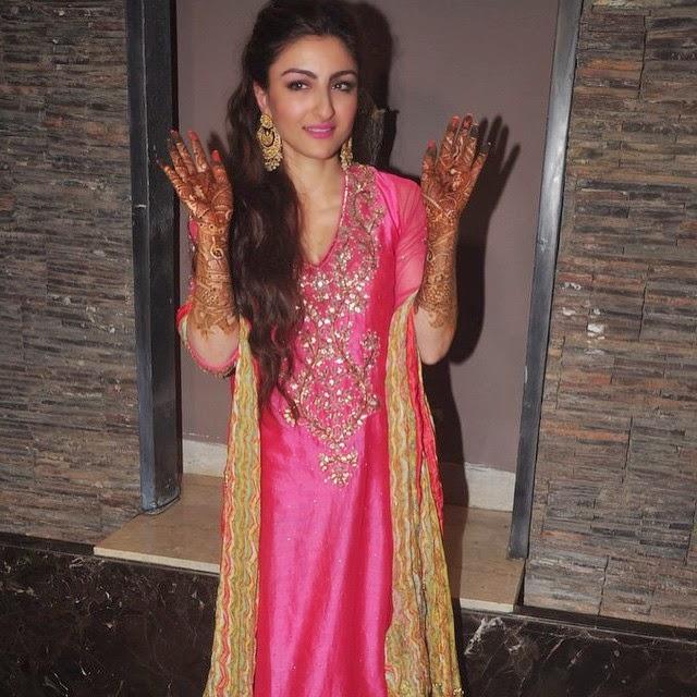 soha ali khan at her mehendi ceremony soha ali khan ,, Soha Ali Khan Mehendi Ceremony Photo Gallery