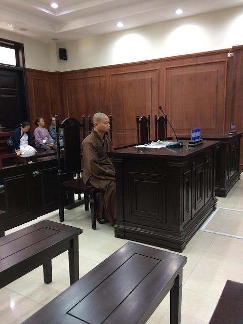 Hoãn phiên tòa hòa thượng kiện chủ tịch UBND tỉnh Bình Định